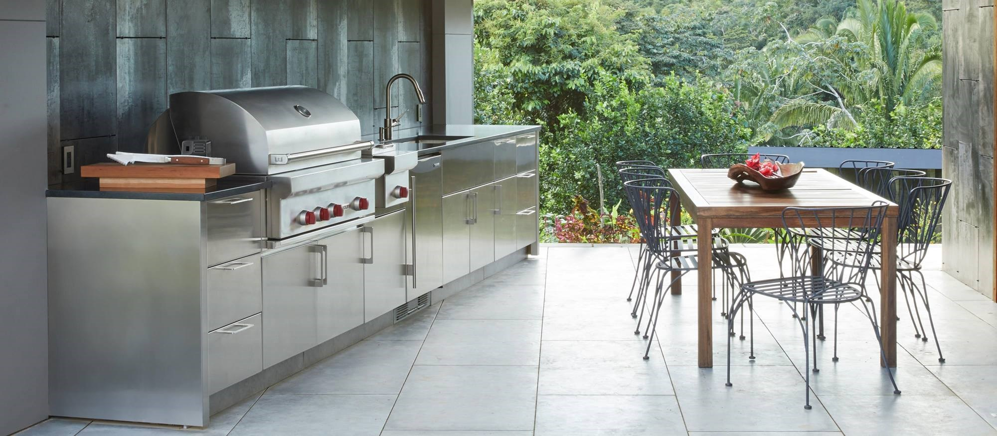 wolf-grill-built-in-outdoor-patio